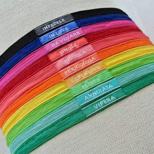 Provocanti e giocosi: i nuovi braccialetti YCIA