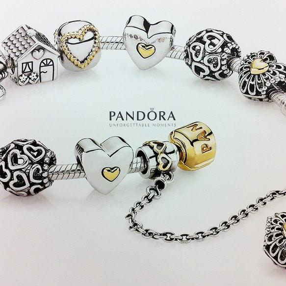 Pandora celebra la Festa della Mamma