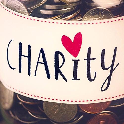 Su CharityStars dieci griffe all'asta per beneficenza