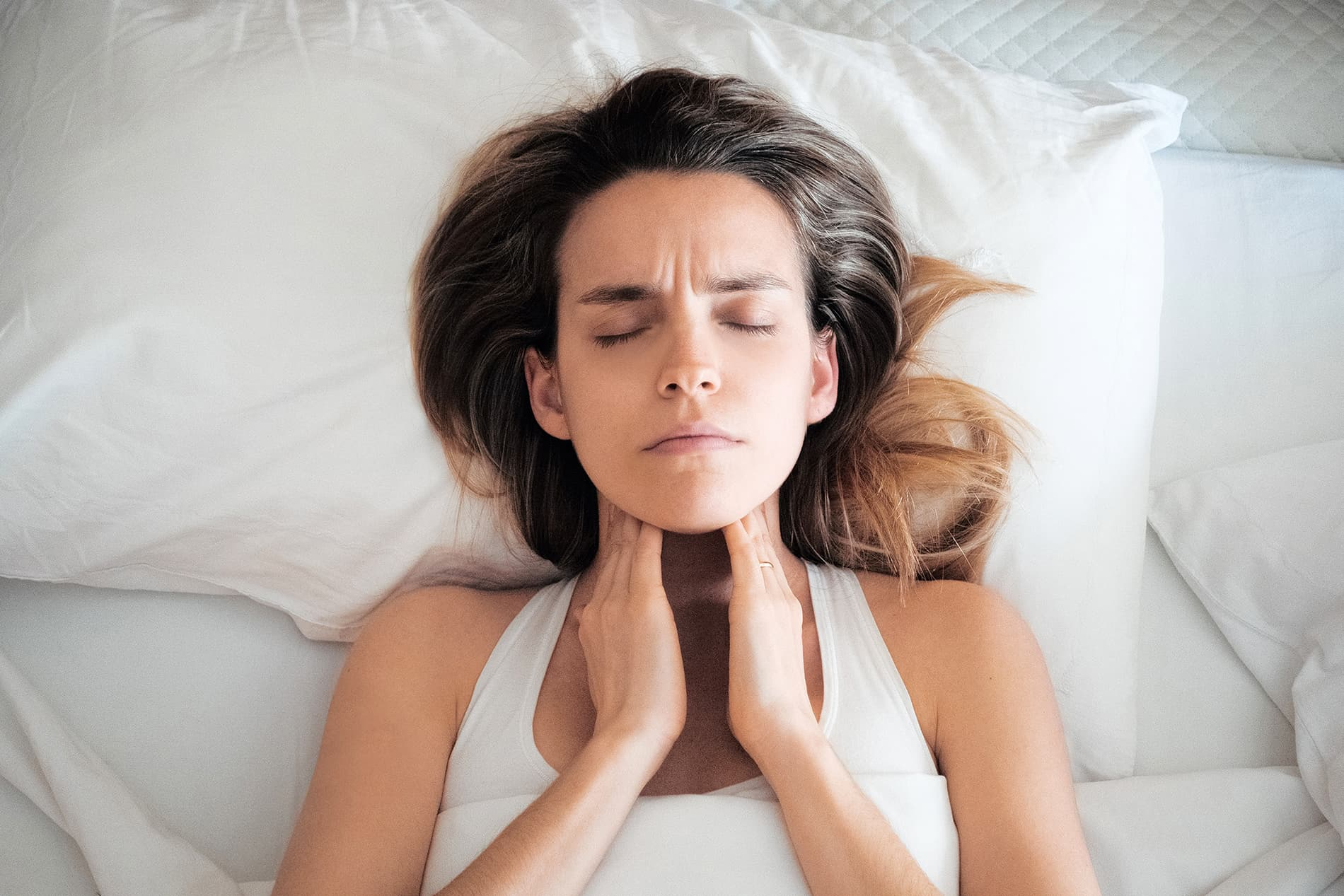 Mal di gola: cure e i falsi miti da sfatare
