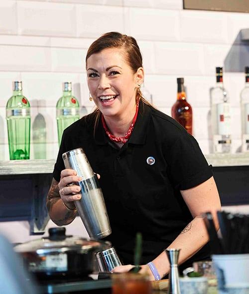 Kaitlyn Stewart miglior Bartender al WORLD CLASS Bartender of the Year 2017